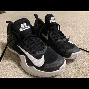 NEW black Nike volleyball shoes size 7.5